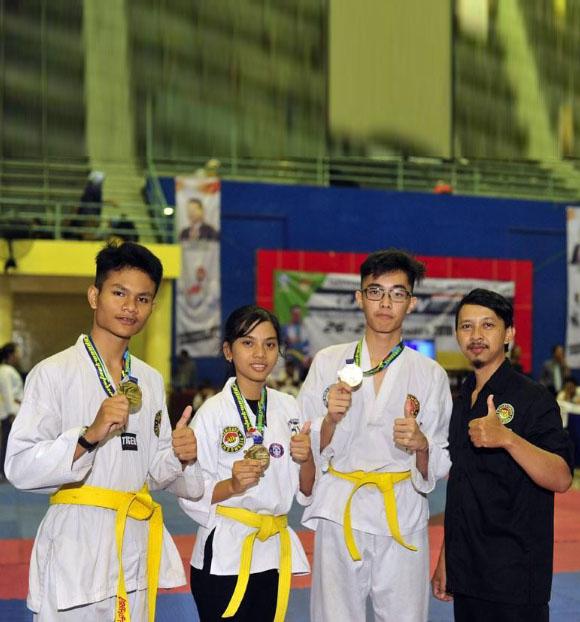 Juara Taekwondo Tingkat Propinsi Jawa Timur