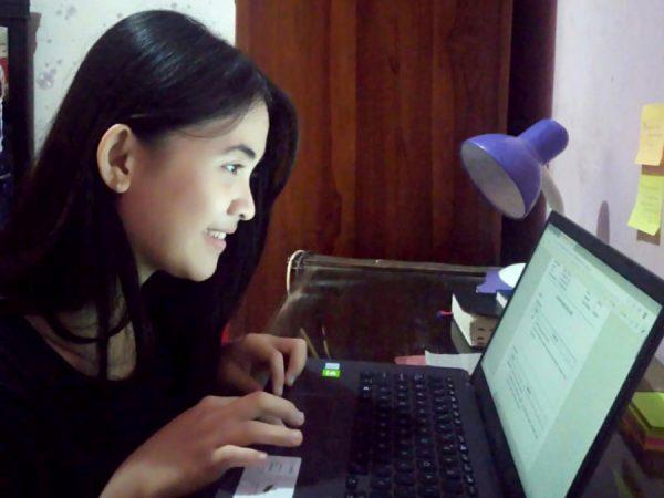 Menerima Hasil Belajar Via Daring